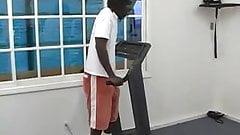 Spring Thomas wird im Fitnessstudio gefickt