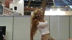 LILI X-Show