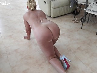 Naked blonde ass Manky mischief - naked crawl