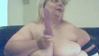 fluffy sucking a vib