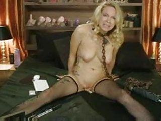 Pissing bondadge Live bondadge show crazy orgasms