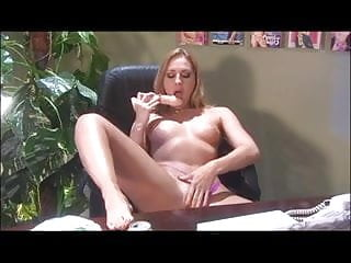Sex toy demonstration videos - Lauren phoenix demonstrates her cocksucking skills