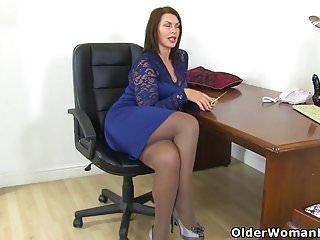 Mom dildos video - British milf raven gets creamy for her dildo