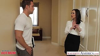 Chesty step mom Kendra Lust gets facial