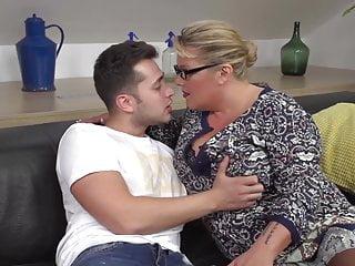 Horny mamas fuck - Big mama blows and fucks lucky boy