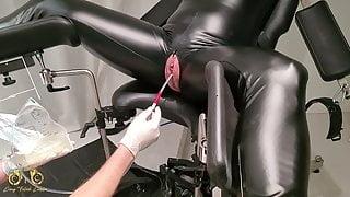 Catheter treatment on the gyno chair