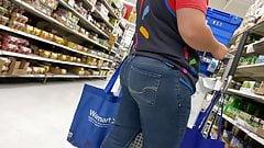 Großer PAWG-Hintern, Walmart-Arbeiterin !!!