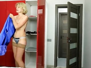 Free blonde hairy pussy Blonde hairy pussy fucks a youngster