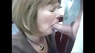 Milf requests dick