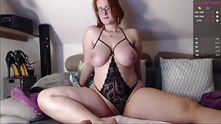 Girl with real big breasts and big ass shows how she masturbates