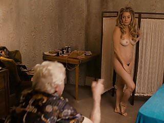 Gyllenhaal jake nude Jamie neumann, emily meade, maggie gyllenhaal - deuce