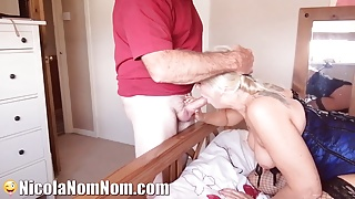 Window Cleaner Catches Housewife Wanking & Spunks On Her