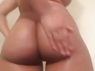 Big booty wet black porn Wet brown booty
