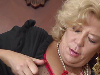 Sexy mommas tube videos Momma karen summers fingering