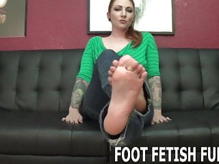 Perfect handjob how to - Tell me how perfect my feet are