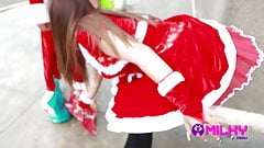 doggystyle Peruvian gives her ass at Christmas...squirts of Christmas piercing