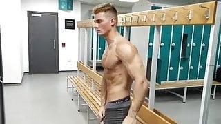 A Gay Muscle Flex 3