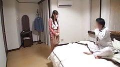 Симпатичная японская девушка