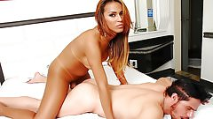 Sexy shemale Nicole Nogueira versatile sex bareback