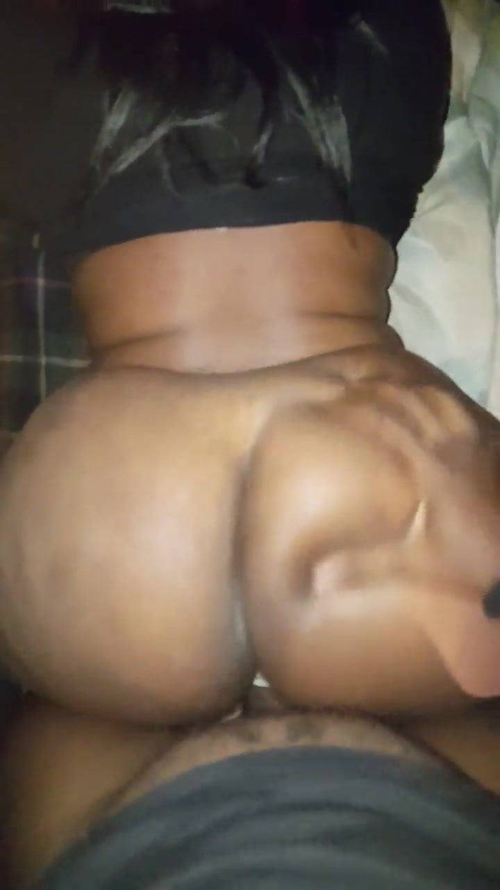 Big Booty Ebony Face Sitting