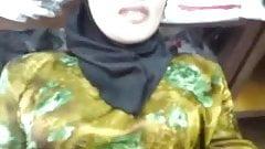 Malay- milf tudung baju kurung kata sedap sesangat zul