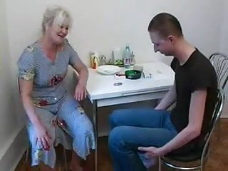 Fucking his girlfriend in the kitchen - Fuck not his mother in the kitchen