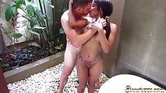 KIKI MINAJ - HOT FILTHY SEX IN THE BATHTUB ON VACATION