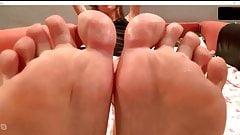 joi feet