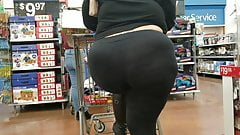 Candid Another BBW showing off her fat ass.