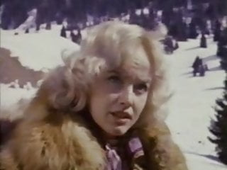 Vintage fur value - Olinka hardiman in fur coat