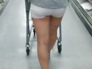 Upskirt milf sex - Flash in public