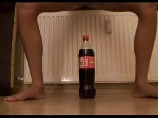 Coke huge sex Sdruws2 - girl plays with big coke bottle in her tiny pussy