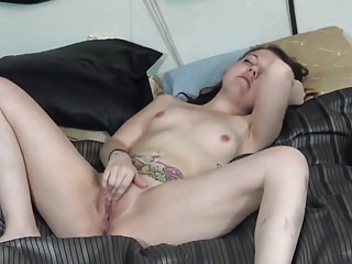 Humiliate my cunt Ugly jessica marie mull plays with filthy cunt