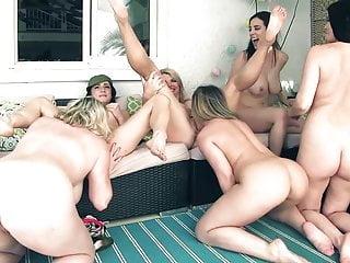 Vicky porn commics - 6 girl orgy jelena jensen vicky vette maggie carmen rachel