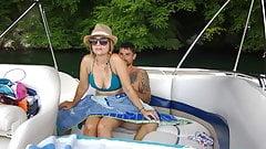 Um pouco de diversão com sexo em público no nosso barco