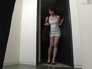 Pantyhose video cclips - Homeless lady in leotard pantyhose fetish