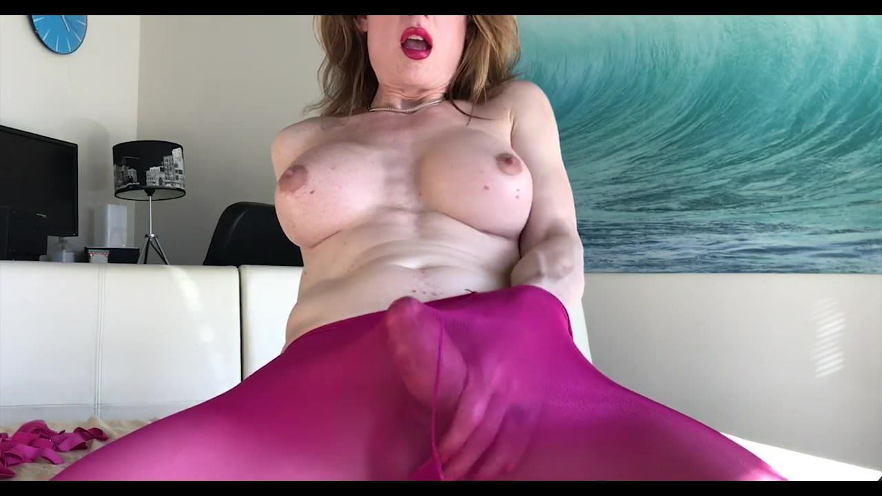 Shemale Hands Free Cumming