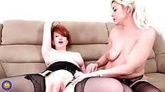 Two mature moms one double dildo