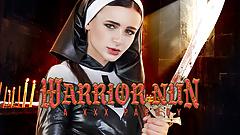Drobna wojowniczka zakonnica błaga o twojego penisa
