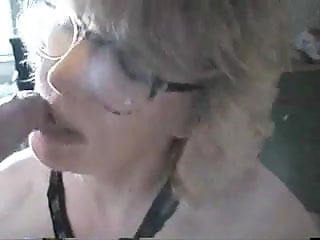 Asian mature experienced Experienced wife sucks out the jizz