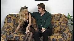 Robert der alte Blondinen Ficker bumst die perfekte Muschi