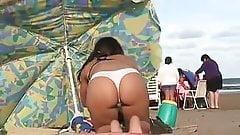 Candid latina teen with an amazing ass in bikini