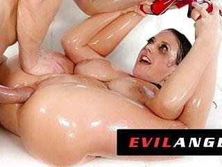 Oil porno