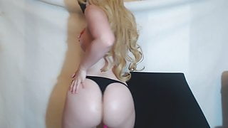 Unreal Tits and Ass on this PAWG