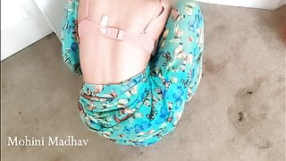 Indian Sexy Bhabhi Maid Fucked by Landlord for Money, Hindi Gall