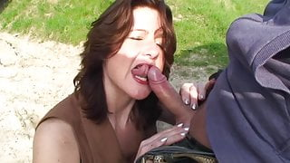curyvy mature fuck outside