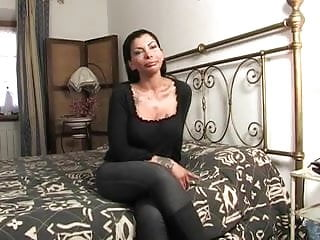Hardcore first times Isabella di capua fucks like a pro for the first time