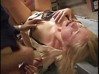 Wallpaper fille sexy - Sexy blonde anal milf has her holes filled up by two lucky guys at once