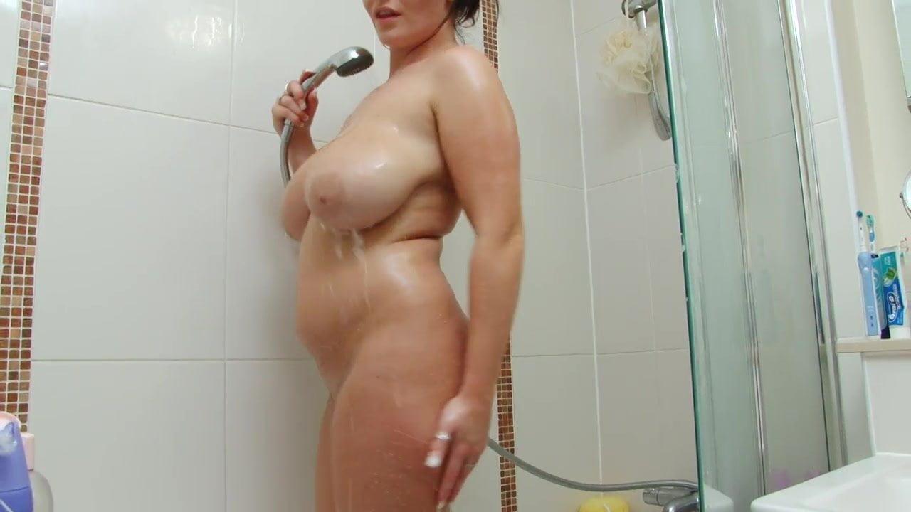 Sexy Schlampe In Der Dusche