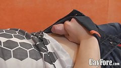 Twink decides to jerk off on cam and play with his foreskin